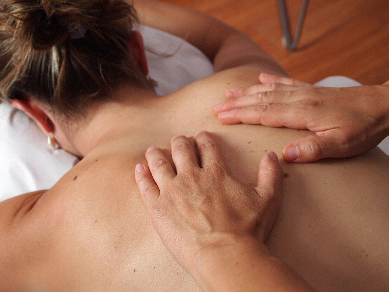 Få en lækker massage der løsner og afspænder din krop